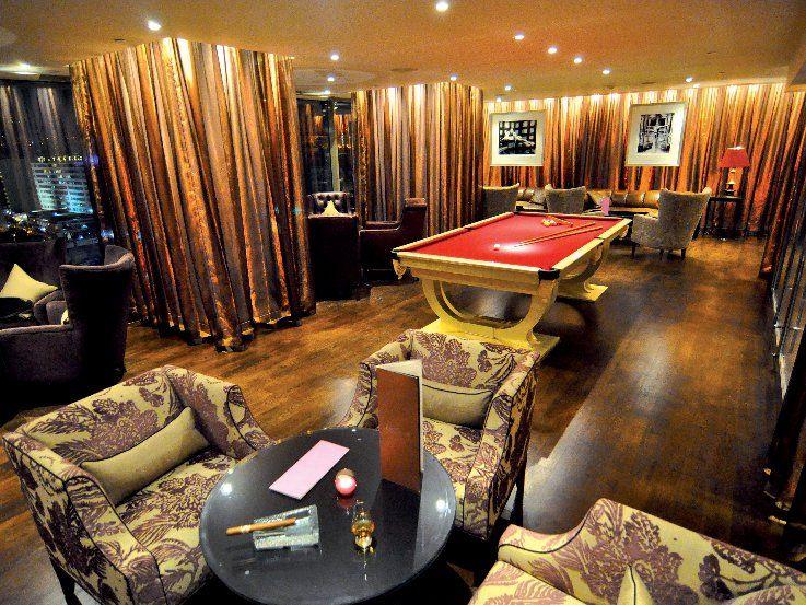 cigar-lounge-pool-billard.jpg