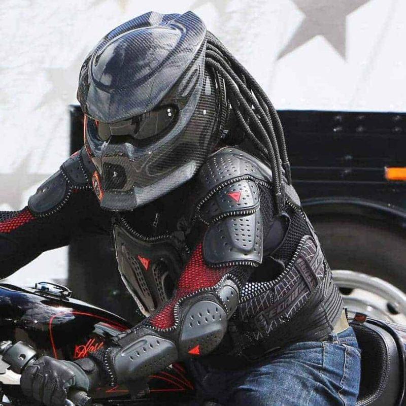 predator-motorcycle-helmet-3.jpg